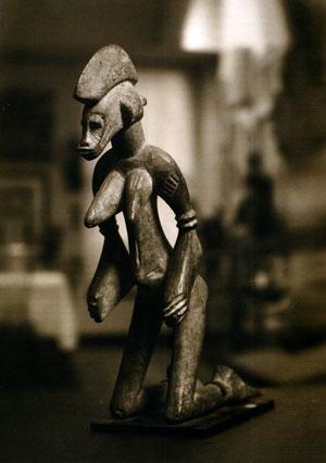 Senufo300-agenou
