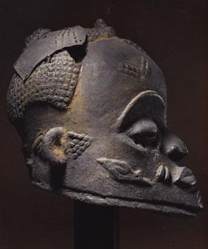 Luluwa-mask-profil
