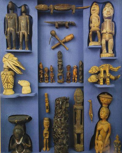 Statues400