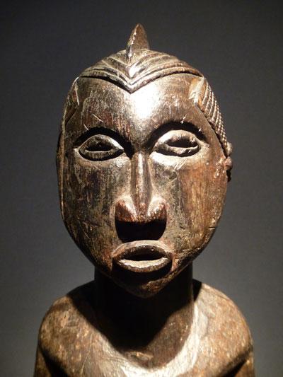 Claes-statue