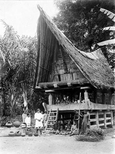TROPENMUSEUM_Batak-kampong