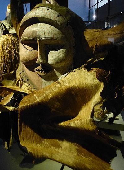 Masque-geant-congo