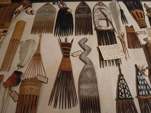 Melanesie_peignes-Pitt-Rivers-Museum