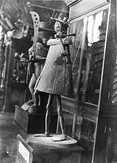Statue-du-dieu-Gou-en-1895-au-musée-d'Ethnographie-du-Trocadéro.