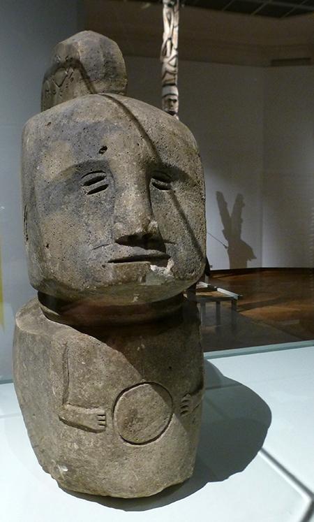 Timor-statue-pierre