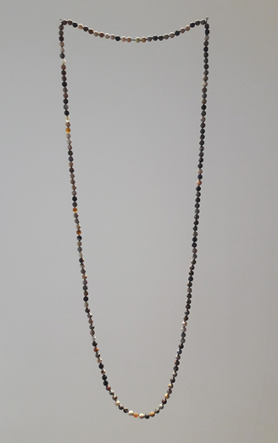 Collier-fossile-katie-paterson