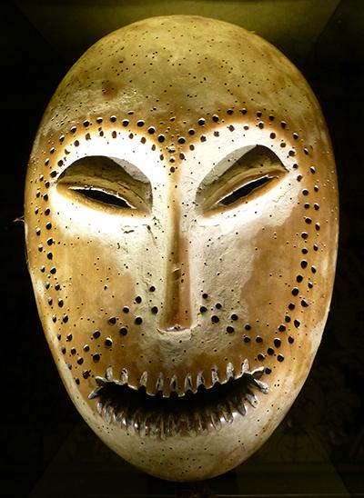 Lega--mask-bruneaf