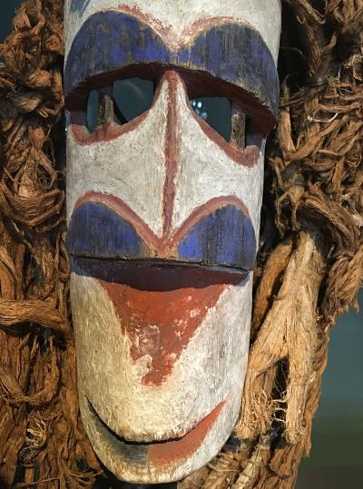 Masque-lavongai-island